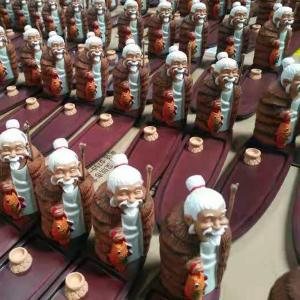 吉林客户在本厂定制树脂工艺品旅游景点纪念品